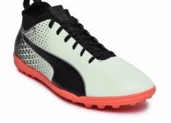 Puma Men White evoKNIT FTB TT Football Shoes